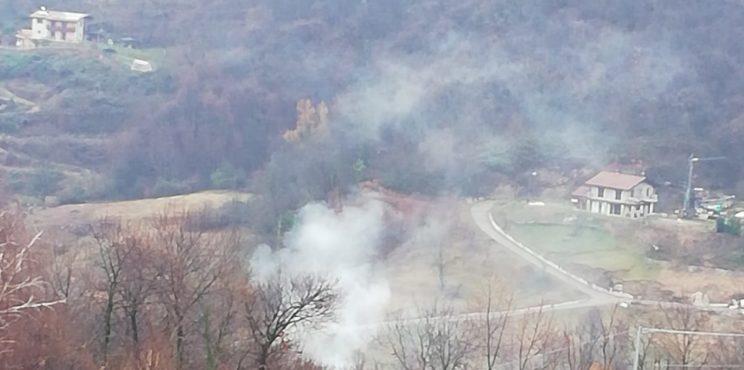 Entratico – Ogni domenica mattina, fumo di plastica bruciata nella valle