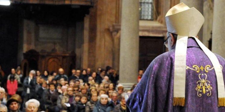 """Otto preti orobici criticano la CEI: """"Dissenso verso la lettera dei Vescovi al Governo, giusto tutelare la salute dei cittadini"""""""