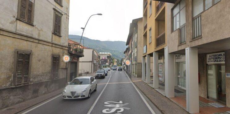 Casazza, terza corsia per accedere alle Fornaci, marciapiede  e spostamento dell'asse della SS 42 al semaforo