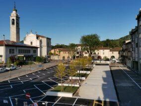 Gorlago, il sindaco Grena apre la nuova piazza Gregis